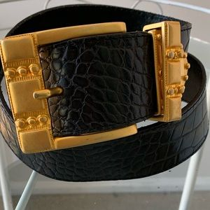 Dana Buchman Black leather belt Gold Buckle